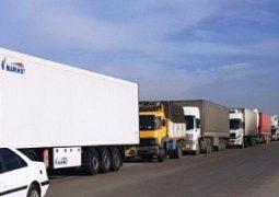 صف ۶ کیلومتری کامیون ها در شلمچه/ مرز تجاری عراق فردا باز می شود