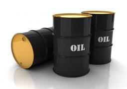 بازار نفت شاهد کاهش مازاد عرضه است
