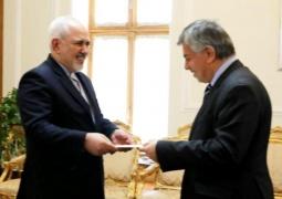 سفیر جدید عراق رونوشت استوارنامه خود را تقدیم ظریف کرد